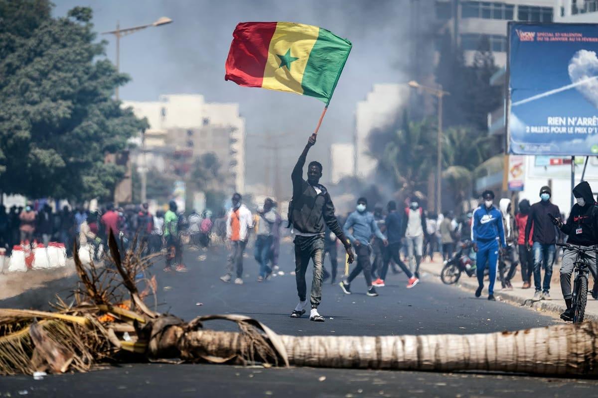 セネガル デモ